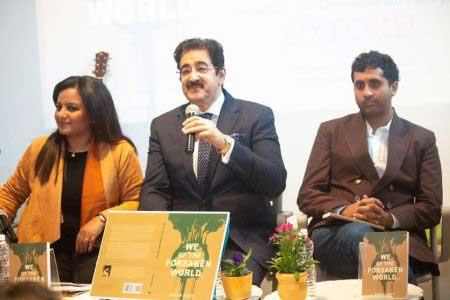 Sandeep Marwah Released Book of American Traveller